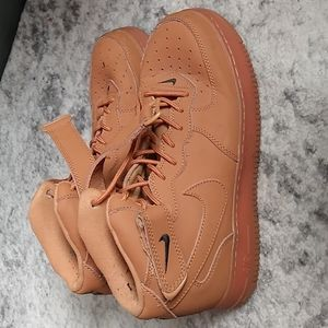 Nike Air Force 1 color brown  size 9
